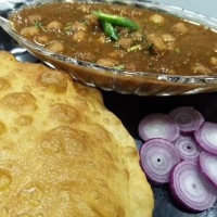 Chole/ Kaale chole (using tea leaves)